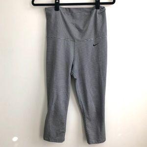 Nike High Rise Striped Crop Leggings